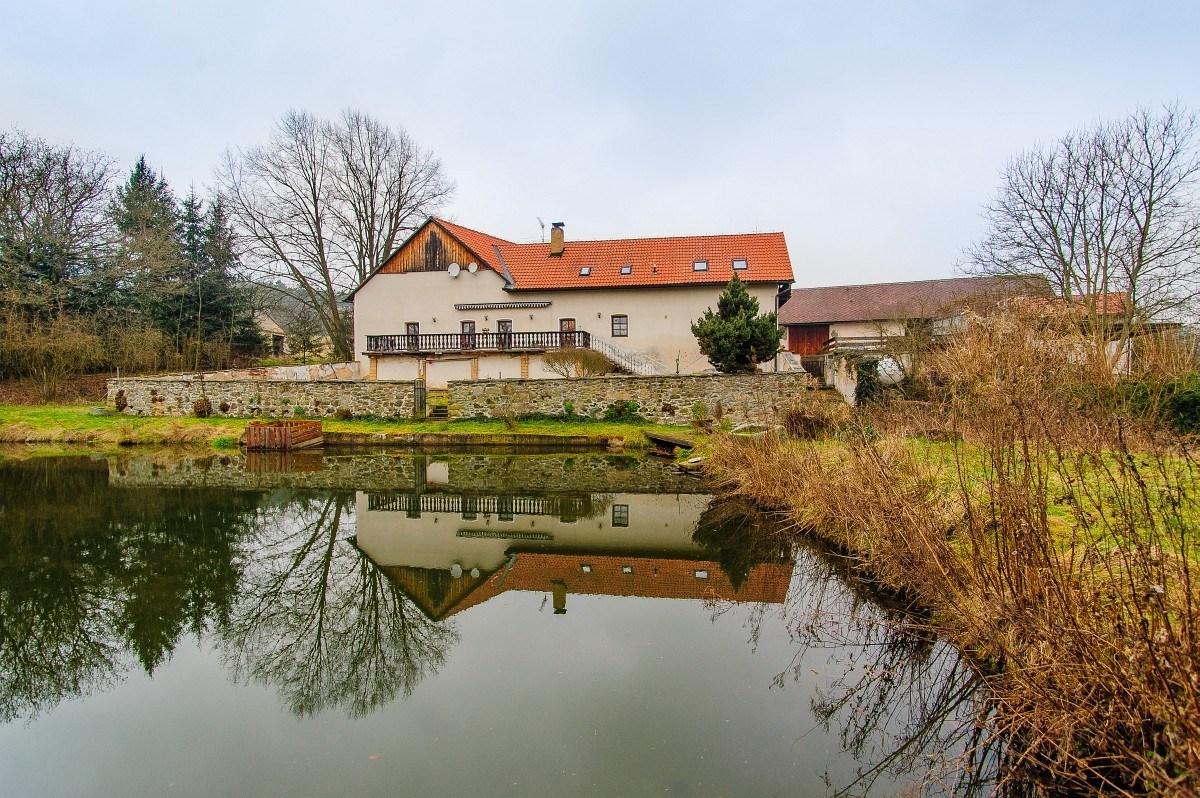 Pragueliving.cz - Manělovice