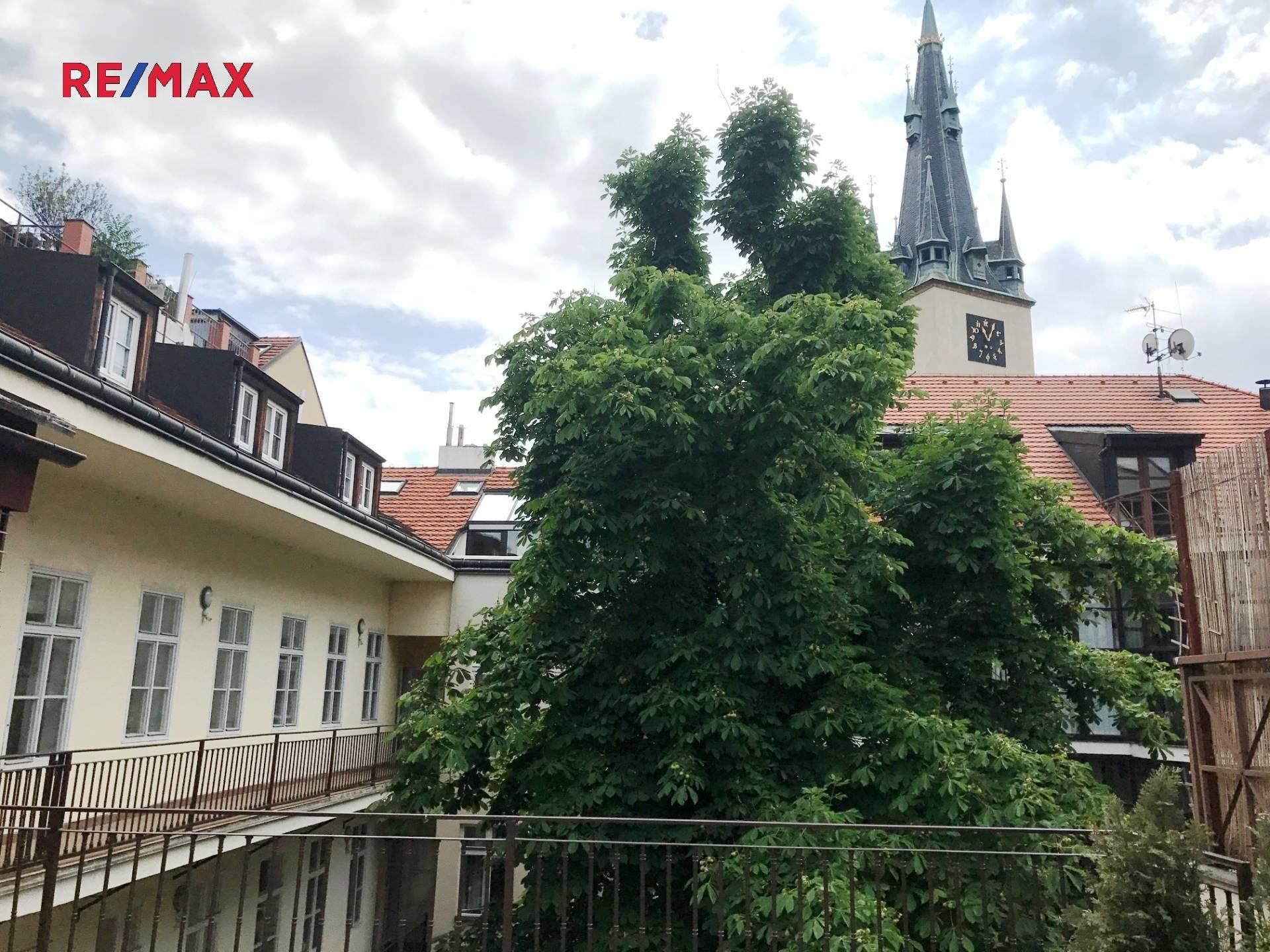 Pragueliving.cz - Štěpánská